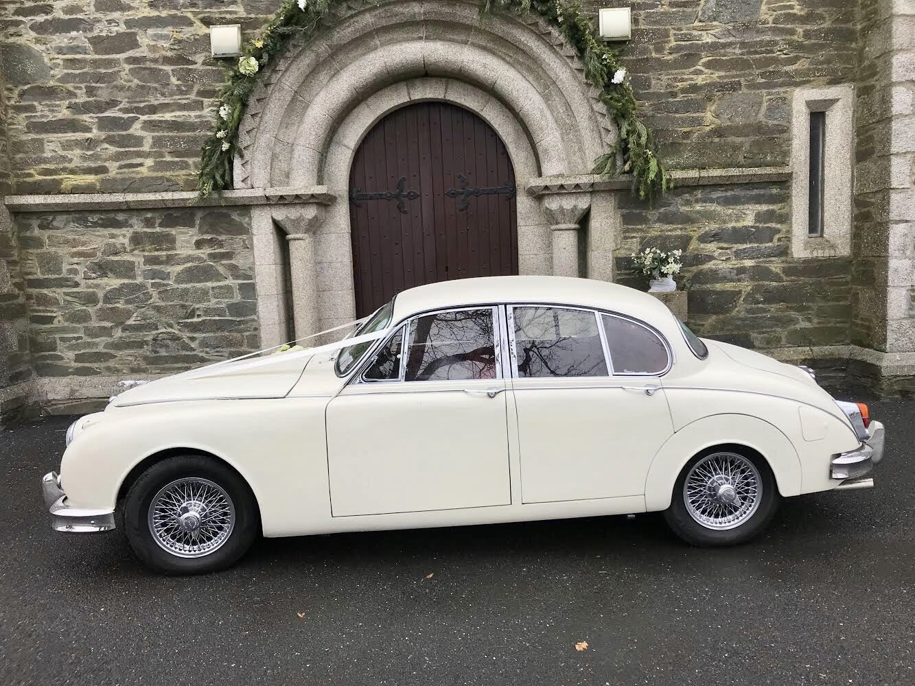 Wedding Day with our Opalescent Golden Sand Classic Jaguar