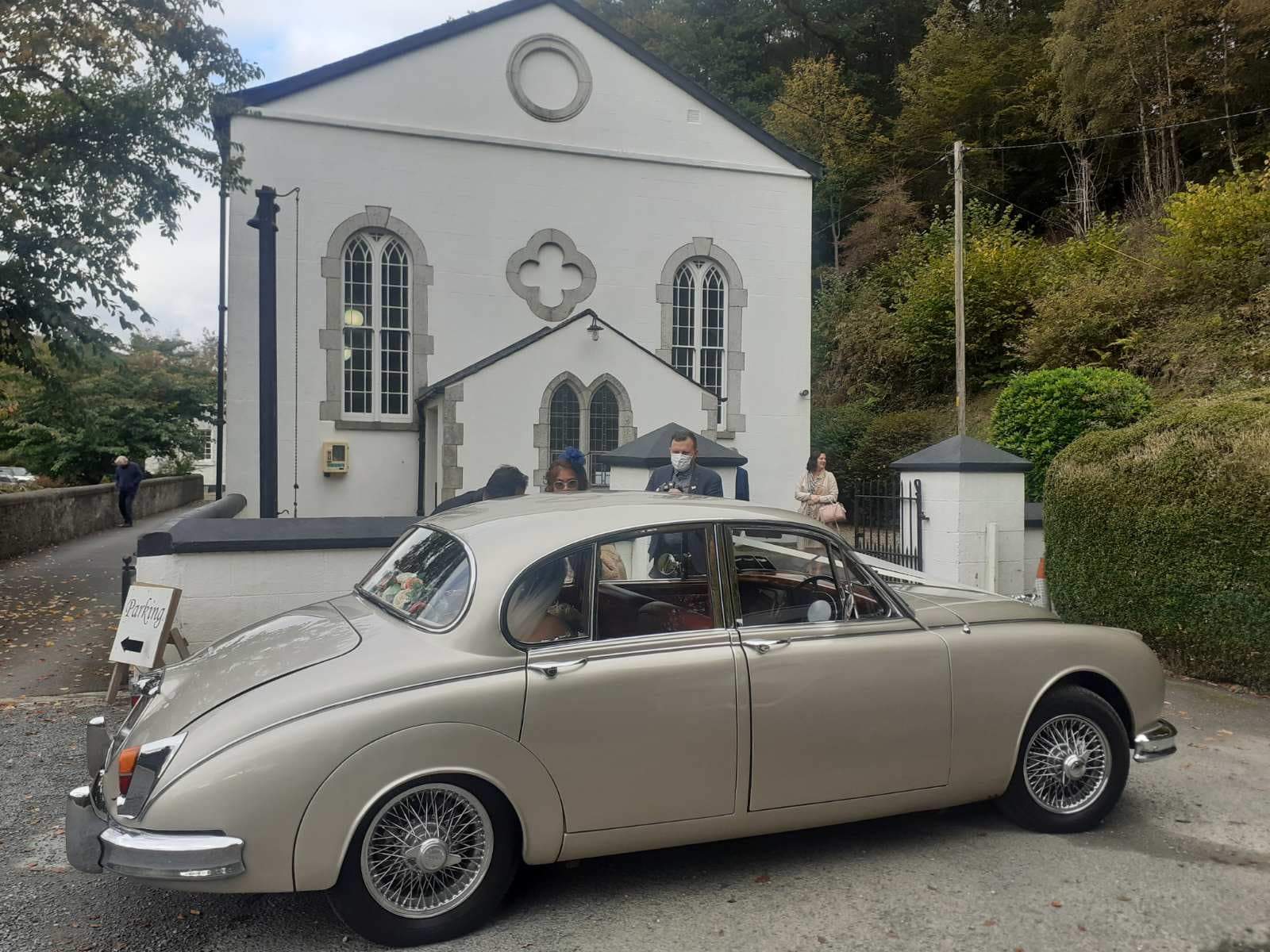 Wedding with one of our Jaguar wedding cars